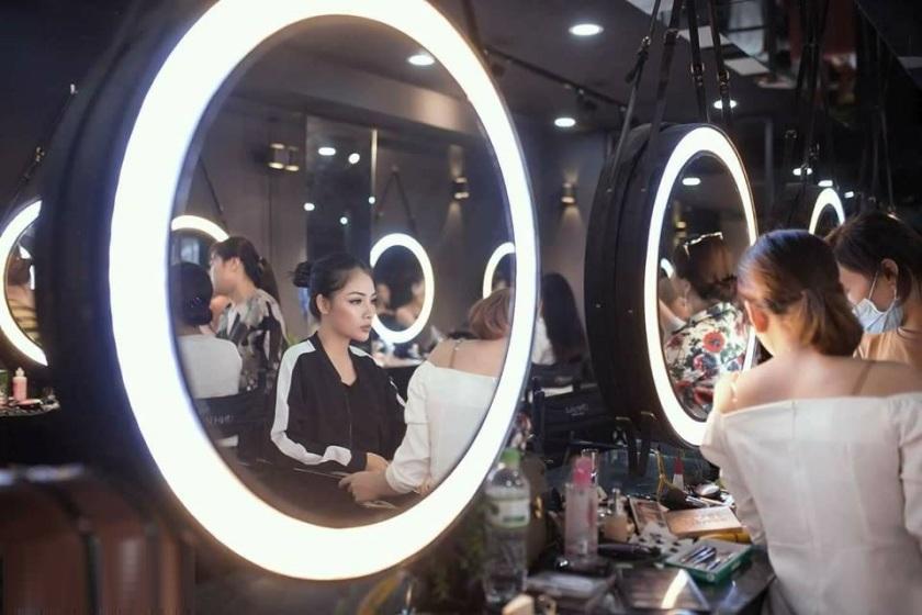 Gương tròn dây da đèn led 04